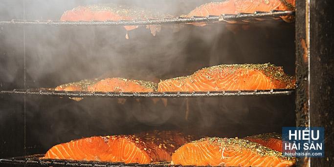 cá hồi xông khói