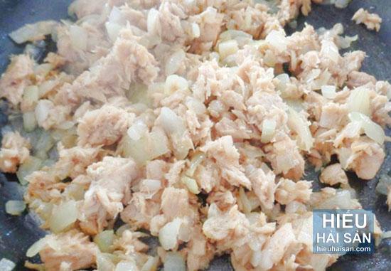 khoai tây bọc cá ngừ chiên giòn