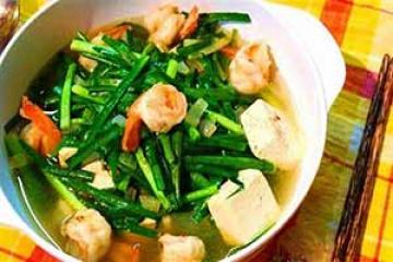 tôm sú nấu canh rau muống